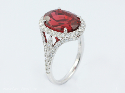 PT Ring with Cut Vietnam Spinel Oval 922 Cts and Diamond