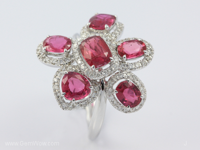 18K White Gold Ring with Cut Mozambique Ruby Oval 402 cts and Diamond